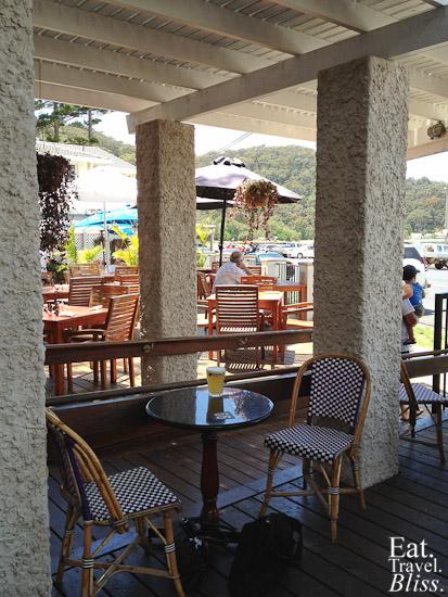 Patonga - Hotel courtyard 1