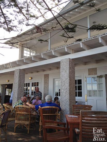 Patonga - hotel courtyard 2