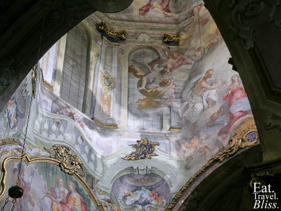 Orta - inside church